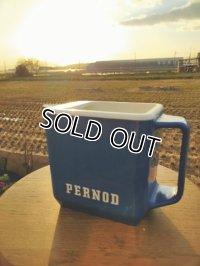 フレンチブロカント・Pernod ペルノ  ブルーのプラスティックピッチャー