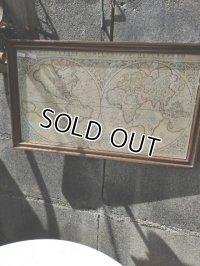 メルカトル図法のラテン語世界地図    送料1111円(税込み)(北海道、東北、九州、沖縄、離島の方は別途お問合せください)